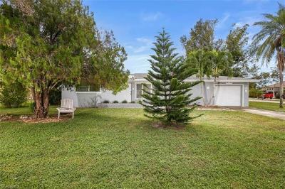 Cape Coral Single Family Home For Sale: 202 SE 44th Ter