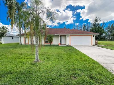 Cape Coral Single Family Home For Sale: 322 SW 20th St