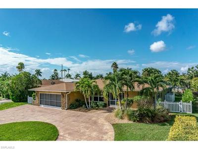 Cape Coral Single Family Home For Sale: 5328 Baypoint Ct