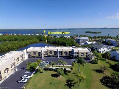 Fort Myers Beach FL Condo/Townhouse For Sale: $275,000