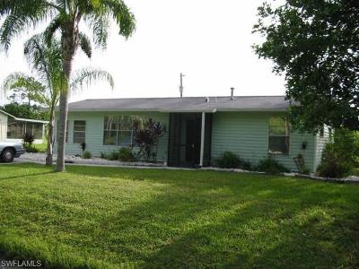 Lehigh Acres Single Family Home For Sale: 1118 Gerald Ave