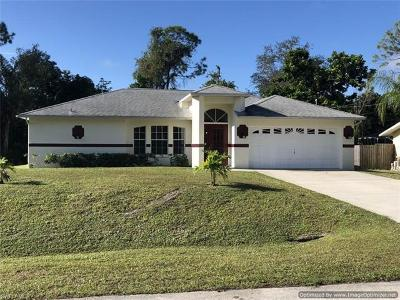 Fort Myers Single Family Home For Sale: 8096 Cypress Dr S