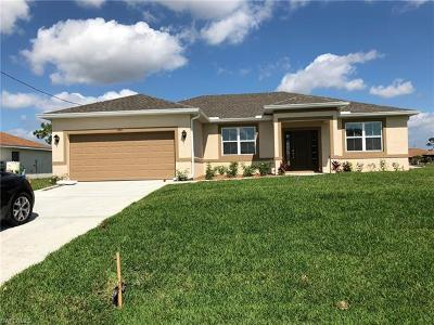 Cape Coral Single Family Home For Sale: 211 NW 28th St