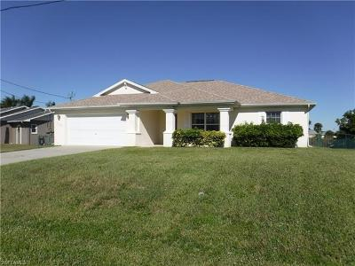 Cape Coral Single Family Home For Sale: 1019 NE 2nd Ter