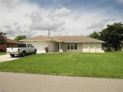 Cape Coral Single Family Home For Sale: 1328 SW 8th Ct