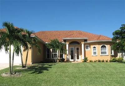Cape Coral Single Family Home For Sale: 3842 SW 19th Pl