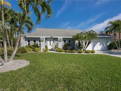 Cape Coral Single Family Home For Sale: 1521 SW 49th Ter