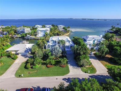 Sanibel Single Family Home For Sale: 1206 Bay Dr