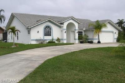 Cape Coral Single Family Home For Sale: 5040 SW 11th Ct