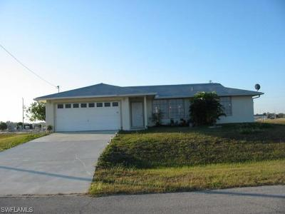Cape Coral Single Family Home For Sale: 2052 NW 3rd Ter