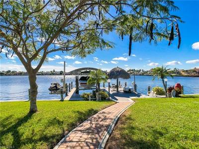 Cape Coral Single Family Home For Sale: 506 SW 49th Ln