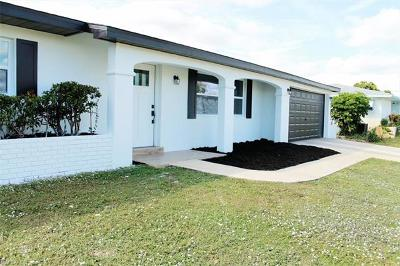 Lehigh Acres Single Family Home For Sale: 203 Redcliff Ave