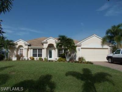 Cape Coral Single Family Home For Sale: 426 NW 39th Ave