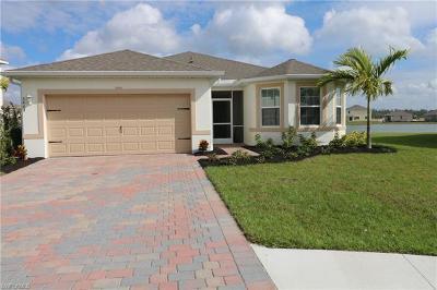 Cape Coral Single Family Home For Sale: 3443 Manati Ct