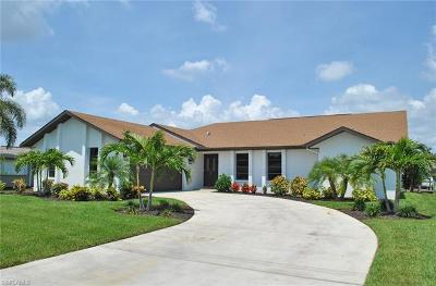 Cape Coral Single Family Home For Sale: 5349 Cortez Ct