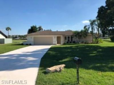 Fort Myers Single Family Home For Sale: 7342 Constitution Cir