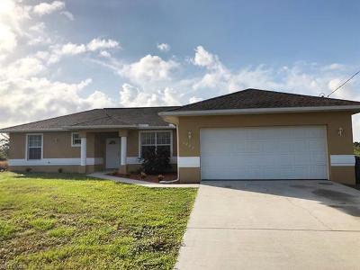 Lehigh Acres Single Family Home For Sale: 1242 Cellini St E