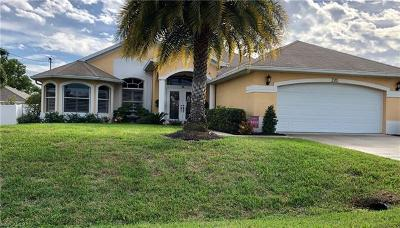 Cape Coral Single Family Home For Sale: 220 SW Trafalgar Pky