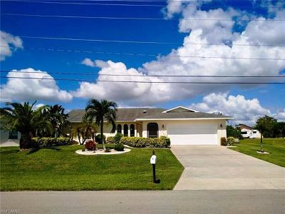 Cape Coral Single Family Home For Sale: 2307 SE 6th Ter