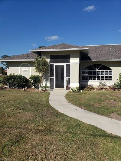 Lehigh Acres Single Family Home For Sale: 1443 Ford Cir