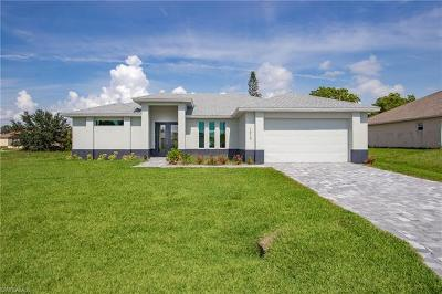 Cape Coral Single Family Home For Sale: 1013 SW 11th Ct