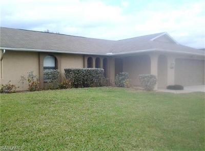 Cape Coral Single Family Home For Sale: 1637 SW 30th Ter
