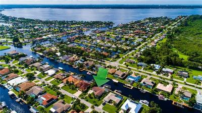 Cape Coral Single Family Home For Sale: 148 SW 54th Ter