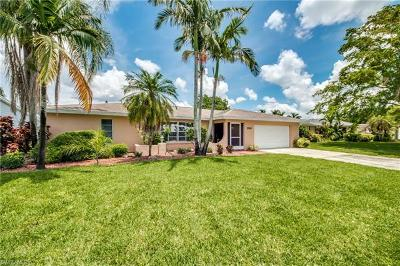 Fort Myers Single Family Home For Sale: 2210 Treehaven Cir N