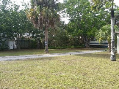 Fort Myers Multi Family Home For Sale: 3349 E Riverside Dr
