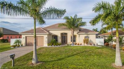 Cape Coral Single Family Home For Sale: 133 SE 29th Ter