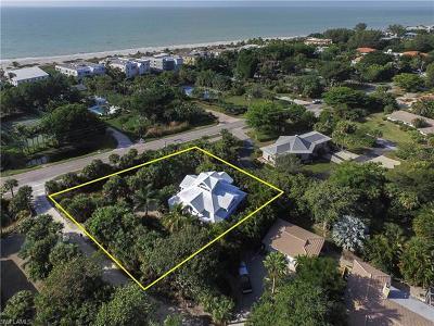Sanibel Single Family Home For Sale: 205 Hurricane Ln