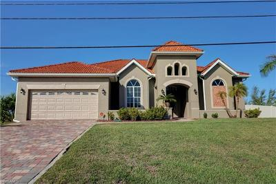 Cape Coral Single Family Home For Sale: 1617 Savona Pky W
