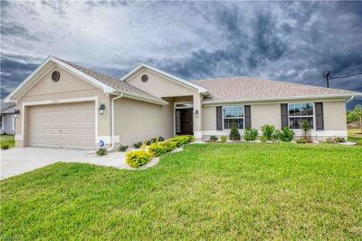 Lehigh Acres Single Family Home For Sale: 1037 Chadbourne Ave