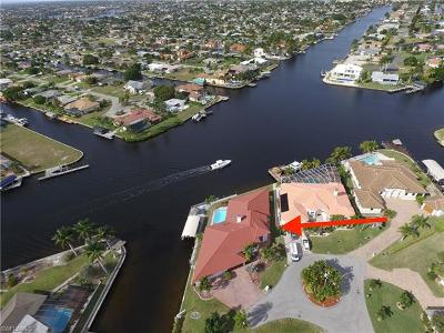 Cape Coral Single Family Home For Sale: 5201 Sarasota Ct