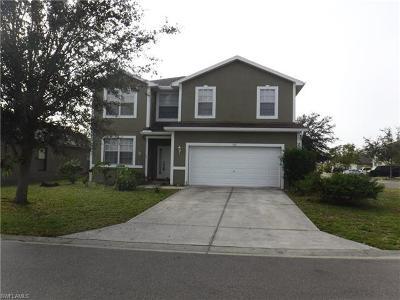 Lehigh Acres Single Family Home For Sale: 702 Center Lake St