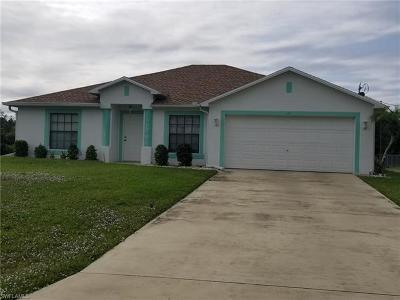 Lehigh Acres Single Family Home For Sale: 705 Hamilton Ave