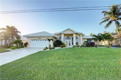 Cape Coral Single Family Home For Sale: 3712 Surfside Blvd