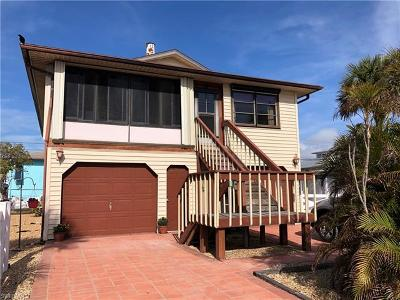 Fort Myers Beach FL Single Family Home For Sale: $529,000