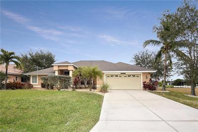 Cape Coral Single Family Home For Sale: 3907 SW 27th Ct