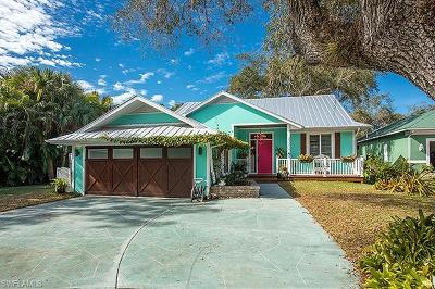 Bonita Springs Single Family Home For Sale: 27315 Tennessee St