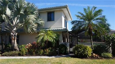 Bonita Springs Condo/Townhouse For Sale: 27581 Hacienda East Blvd #4