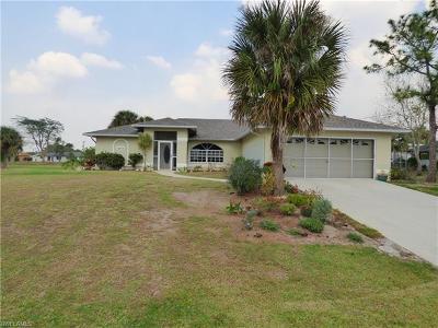 Lehigh Acres Single Family Home For Sale: 1443 Ford Cir