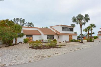 Fort Myers Beach FL Single Family Home For Sale: $569,000