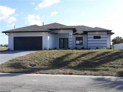 Cape Coral Single Family Home For Sale: 1502 NE 14th St
