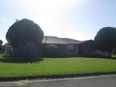 Lehigh Acres Single Family Home For Sale: 116 Contee Dr