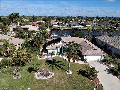 Cape Coral Single Family Home For Sale: 907 SE 21st St