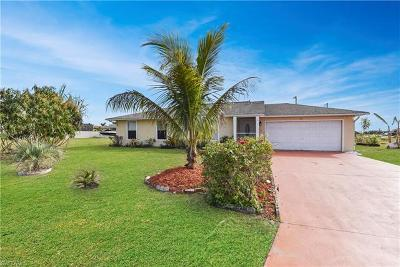 Cape Coral Single Family Home For Sale: 822 NE 10th St