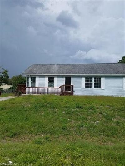 North Fort Myers Mobile/Manufactured For Sale: 7779 McDaniel Dr