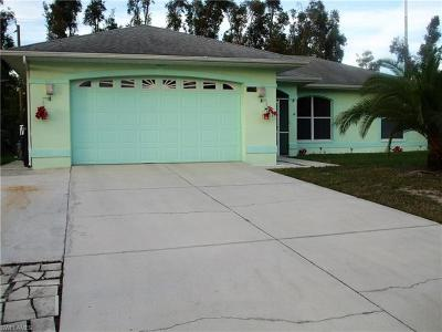 Fort Myers Single Family Home For Sale: 7263 Albany Rd