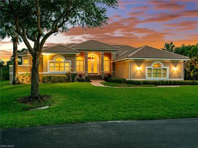 Fort Myers Single Family Home For Sale: 8641 Belle Meade Dr